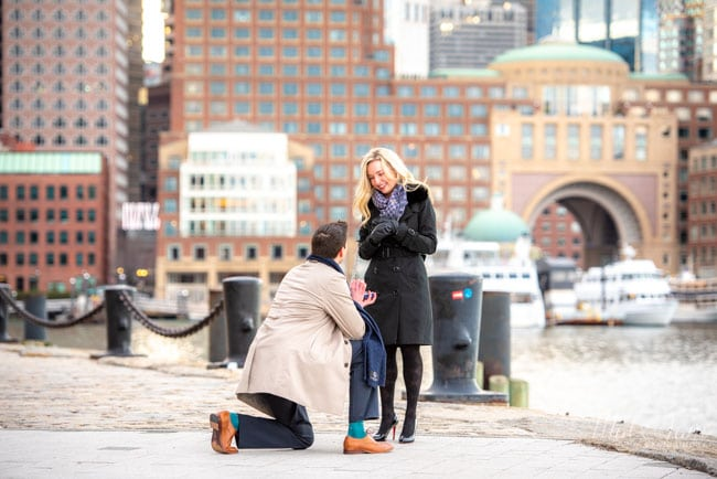 Which-Knee-Do-You-Kneel-On-When-Proposing
